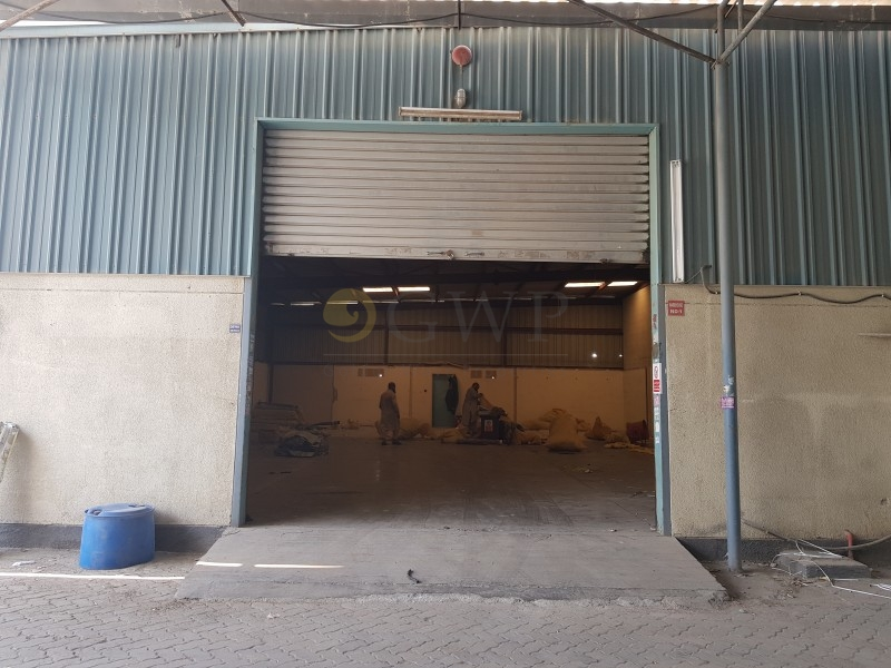 spacious-clean-warehouse-available-in-economical-price