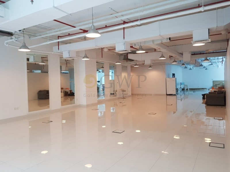 luxurious-premium-office-at-value-deal-in-bay-square