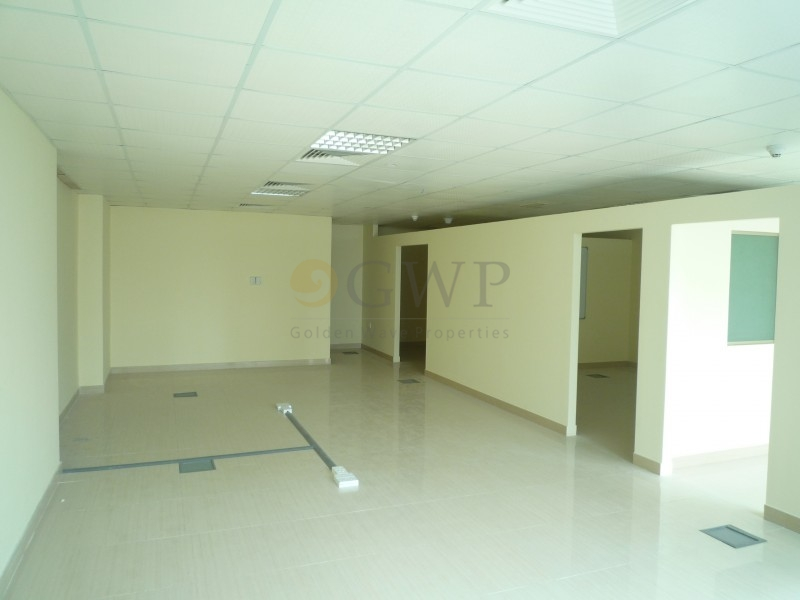 partitioned-office-in-jumeirah-bay-x3