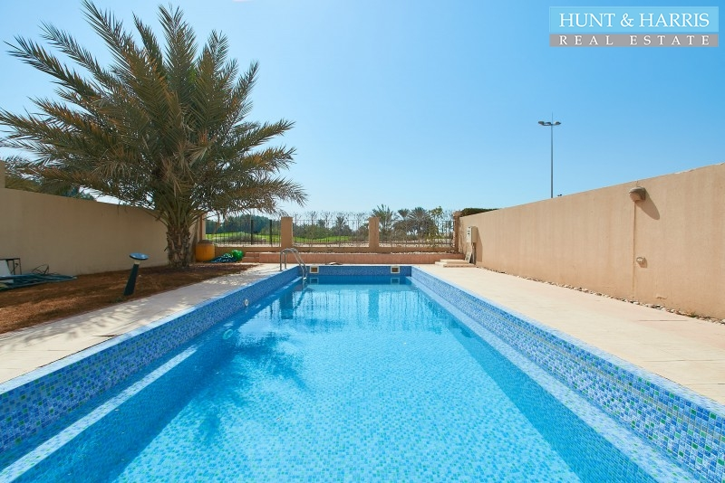 private-pool-and-golf-course-view-3-bedrooms