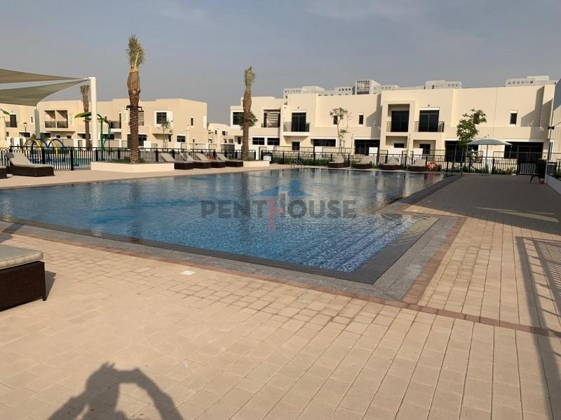 pool-n-park-view-corner-villa-huge-plot-4-bed-maid