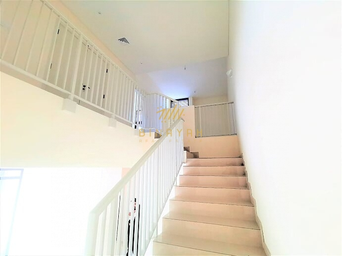 Brand New   4 BR + M   Vacant   Park View