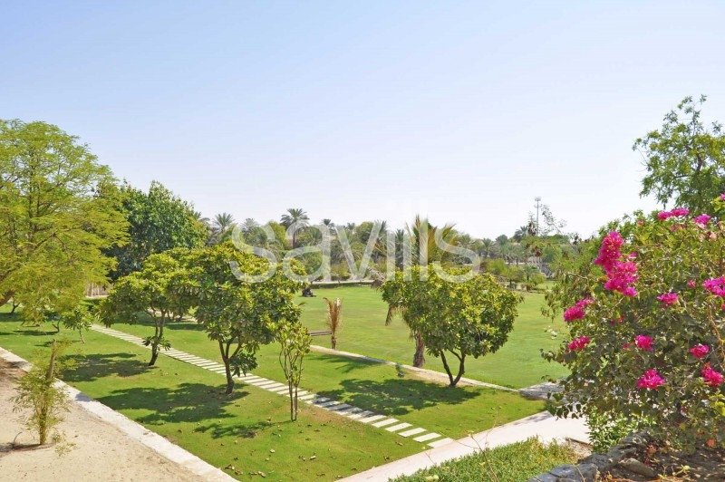 Unique Spacious 4 bed Villa | Large Secluded Garden