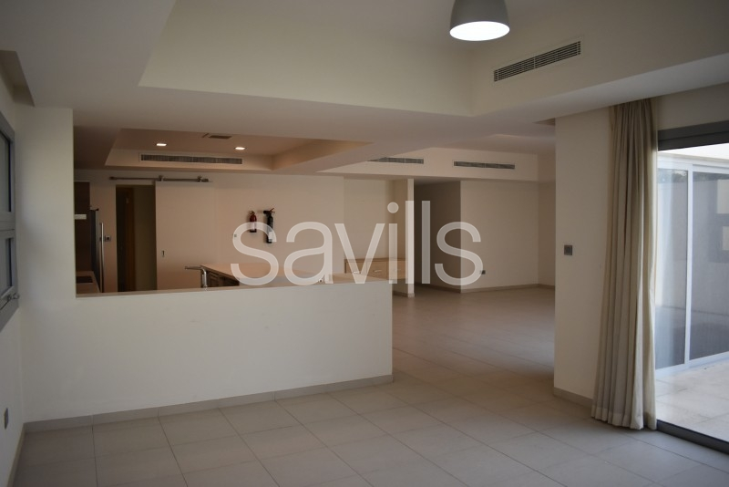 Open plan 4 bedroom villa within a stunning gated community