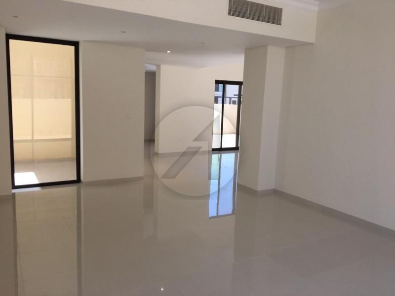 4 Bedroom Townhouse Queens Meadow, Akoya