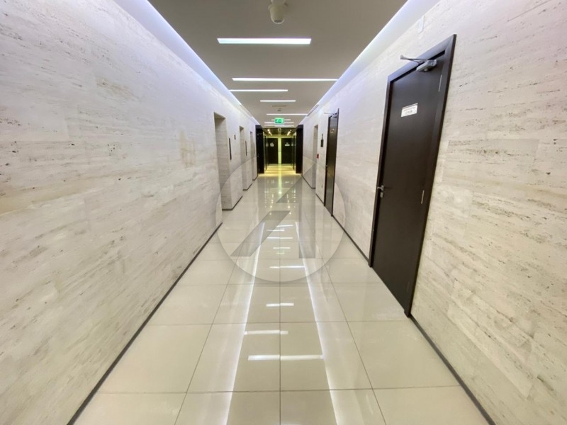 Brand New   Furnished Office   Near Metro