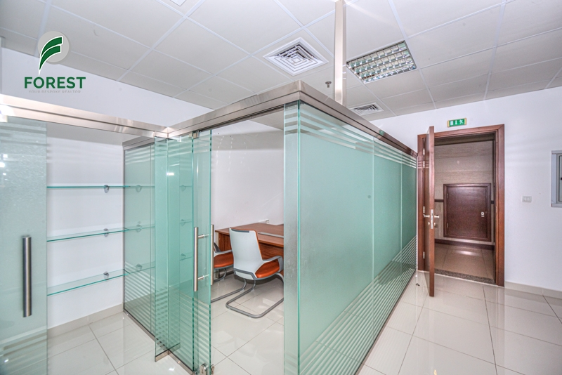 Spacious Office| Vacant | High Floor| Unfurnished