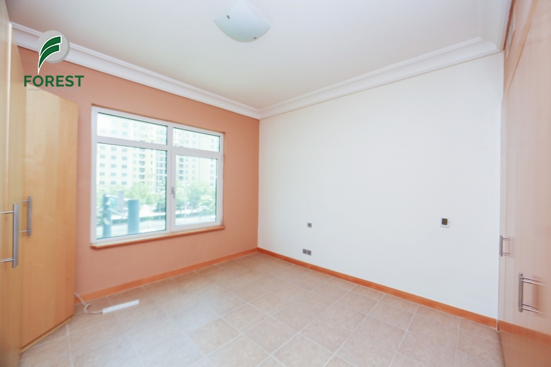 Upgraded | Unfurnished 3BR plus Maids | Park View