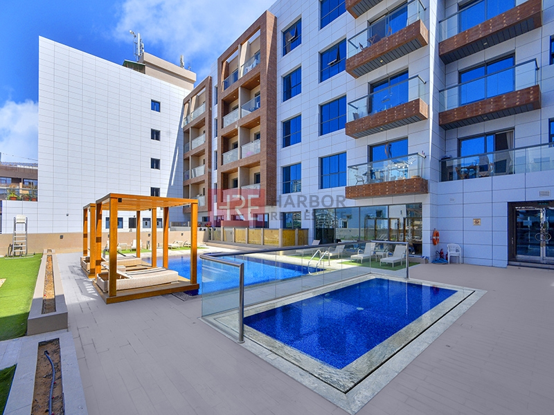 Large 2 BR | Balcony | Up To 12 Cheques