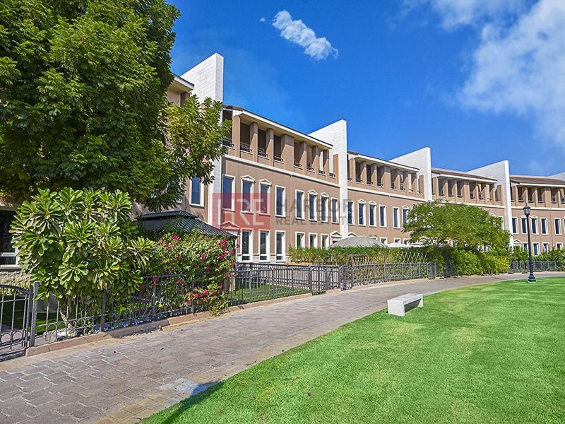 4 BR Townhouse | Huge Balcony | Garden View
