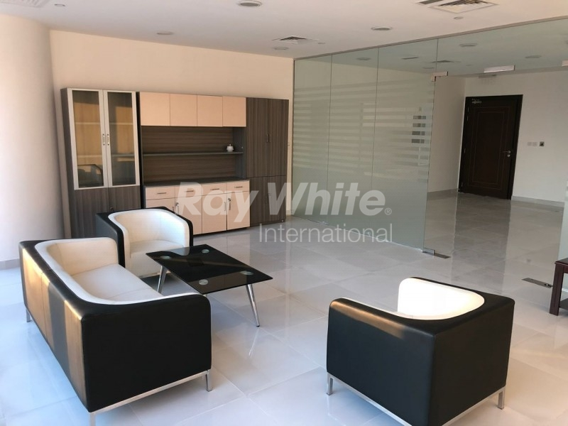 good-lay-out-furnished-fitted-office-w-pantry