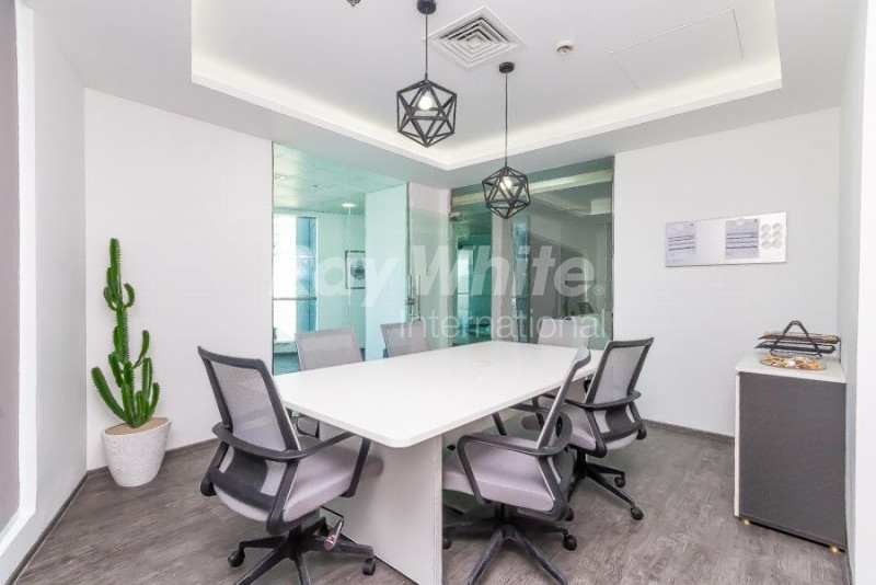 luxury-fitted-office-in-regal-tower-near-metro