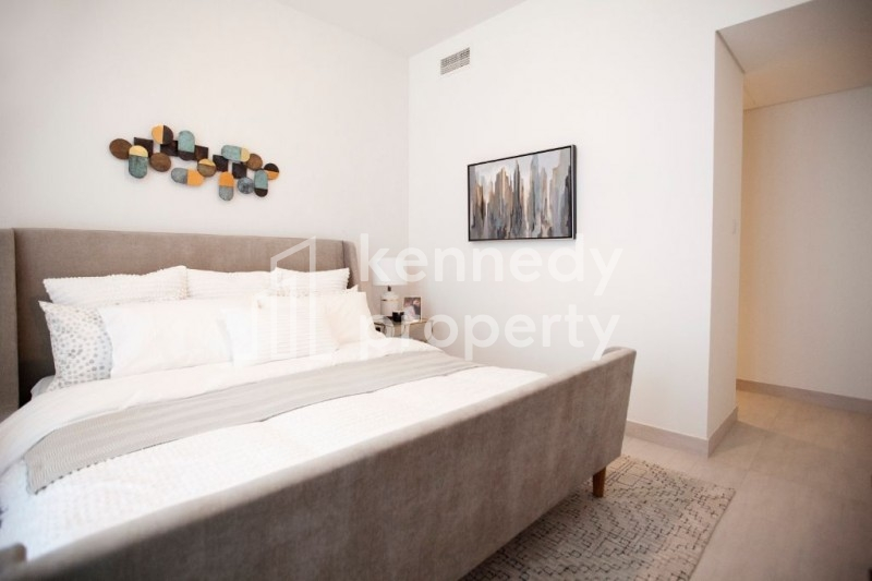 *Hot Deal* I  Corner 3 beds Near Canal I Brand New