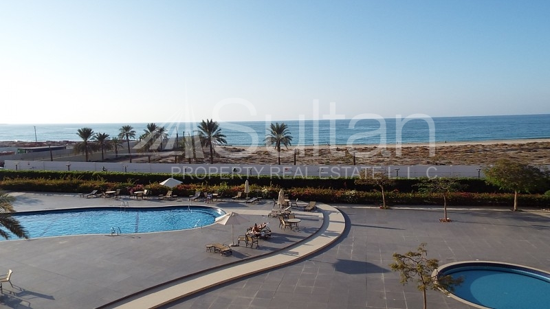 charming-huge-marina-sea-view-studio
