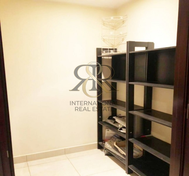 Well Maintained 1 Bedroom | Corner and Bright Unit