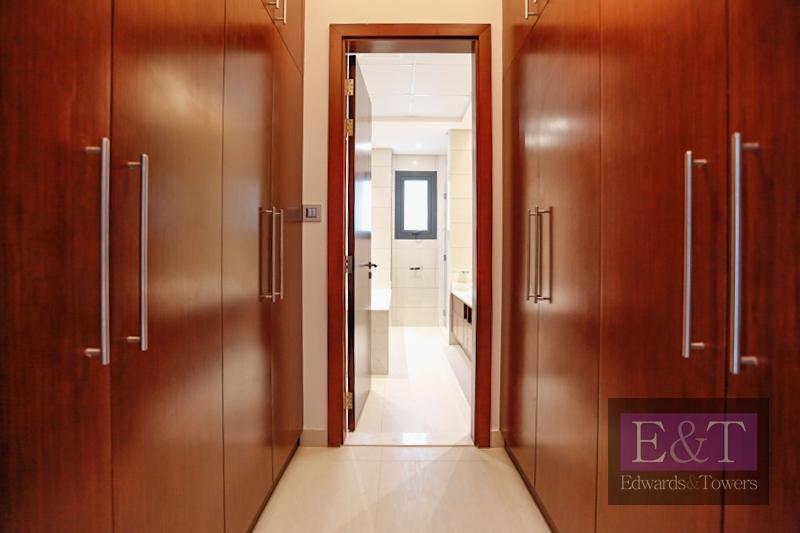 Magnificent 5BR + Maid's Villa   Tip   PJ