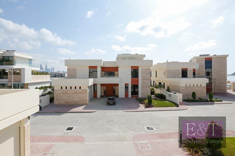 Magnificent 5BR + Maid's Villa | Tip | PJ