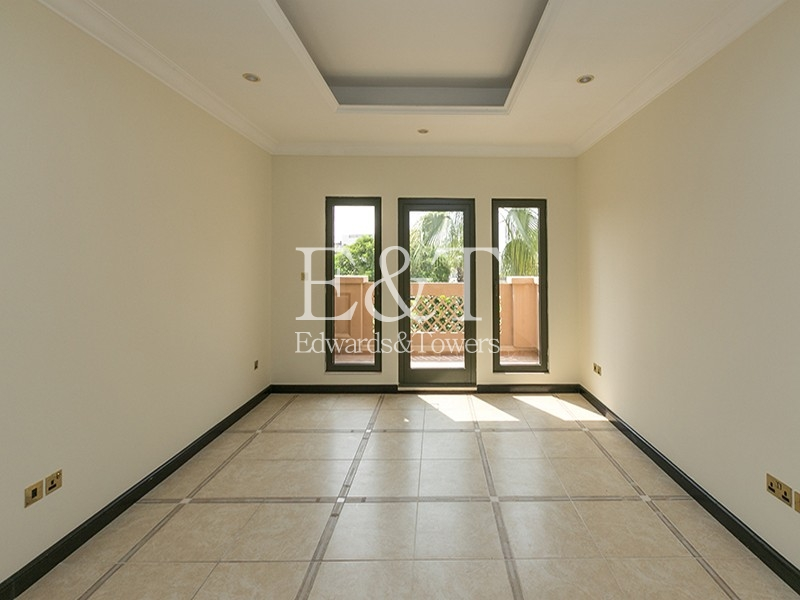 Reduced To Sell | Corner Unit |Beachfront Home|PJ