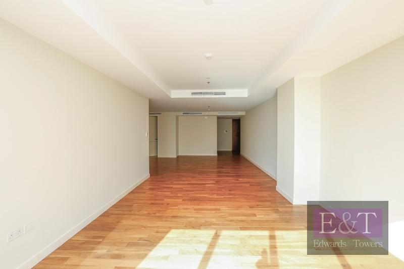Great Layout | Gate Avenue View |  W/ Storage
