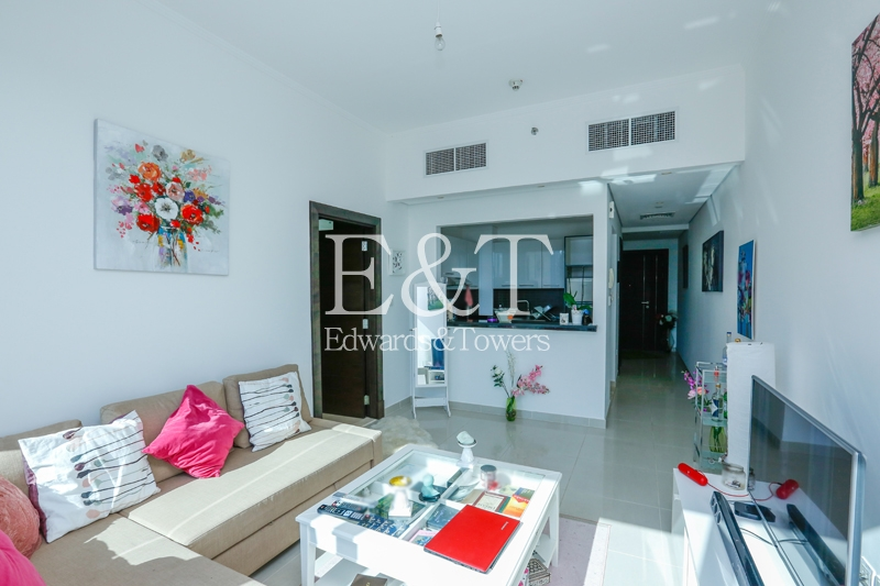 High Floor  1 bed   Vacant   Motivated Seller