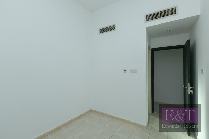 Corner Plot | Vacant | 4BR E-Foyer Villa | JI