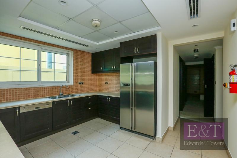 District 6 | 3BR Villa | Legacy Large | JP