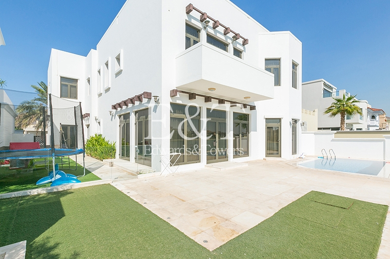 Atrium Entry 2 | Upgraded | Extended | 5 Bed