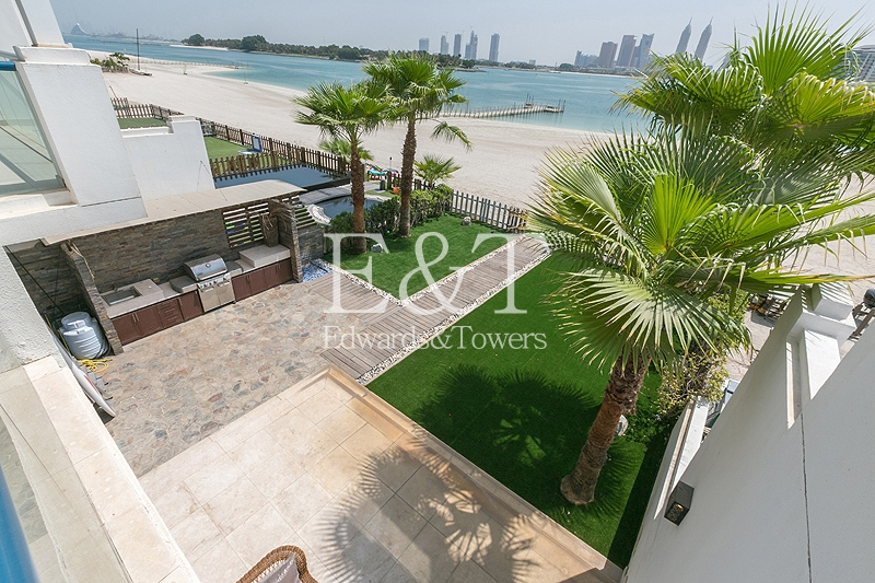 Upgraded 5 Bed | Vacant | Beach Facing | PJ