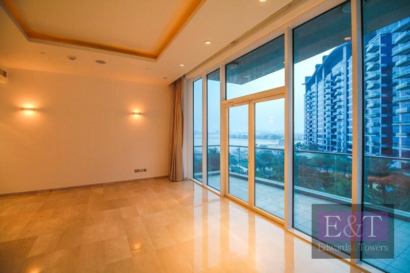 Sea And Dubai Eye View   Vacant   Mid Floor   PJ