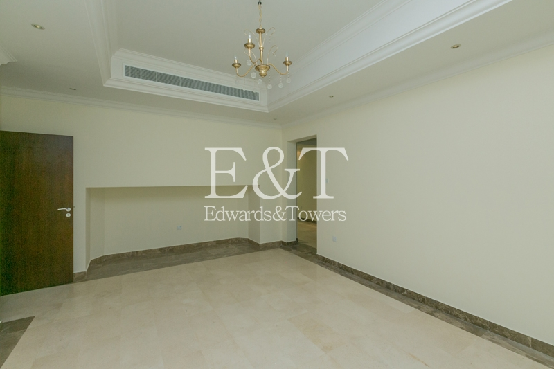 Best Priced Entertainment Foyer|Greenery View  JI