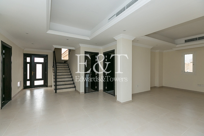 Single Row | Custom Made Villa | 4 Beds+Maid | JP