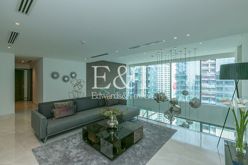 Over 3000 sq ft | Duplex Penthouse in the Skies