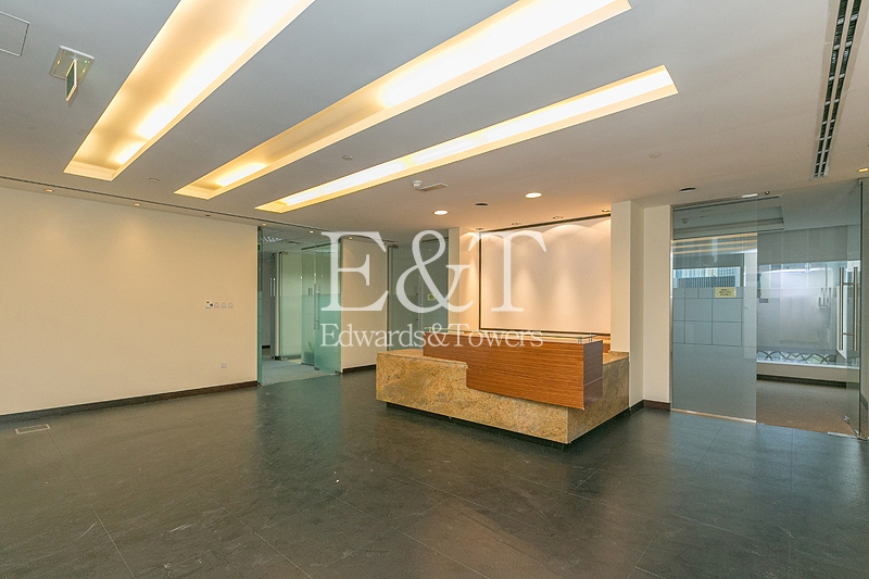 Fully Fitted Office rent in Emaar Square | DT