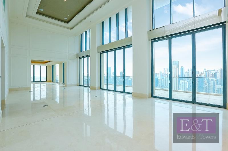 Sumptous Property   Two Floors   Downtown Views