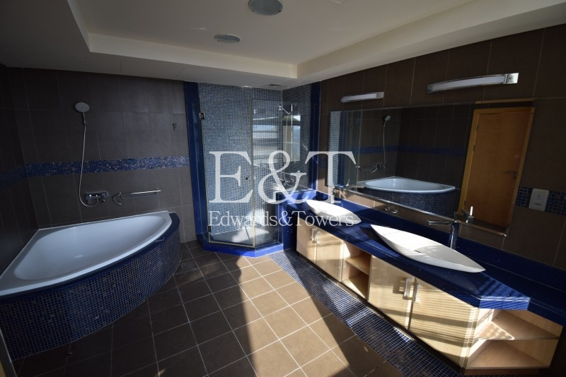 4BR Penthouse | H type |Next to Nakheel Mall | PJ