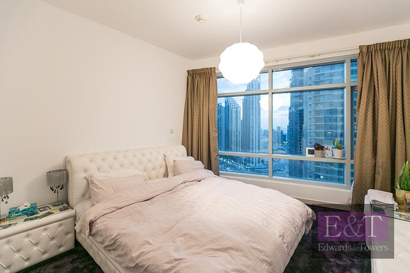 OUTSTANDING 2 Bed | High Floor | Lofts East | DT