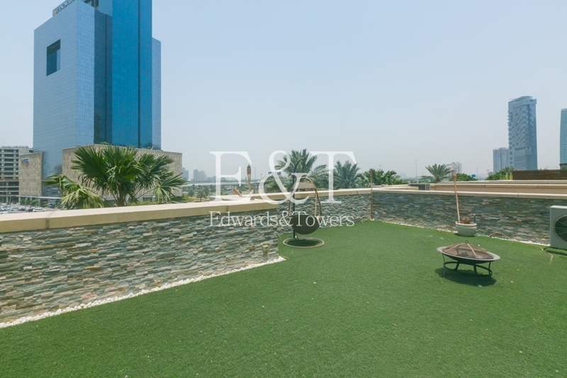 Upgraded and Roof Top Villa with Garden and Pool