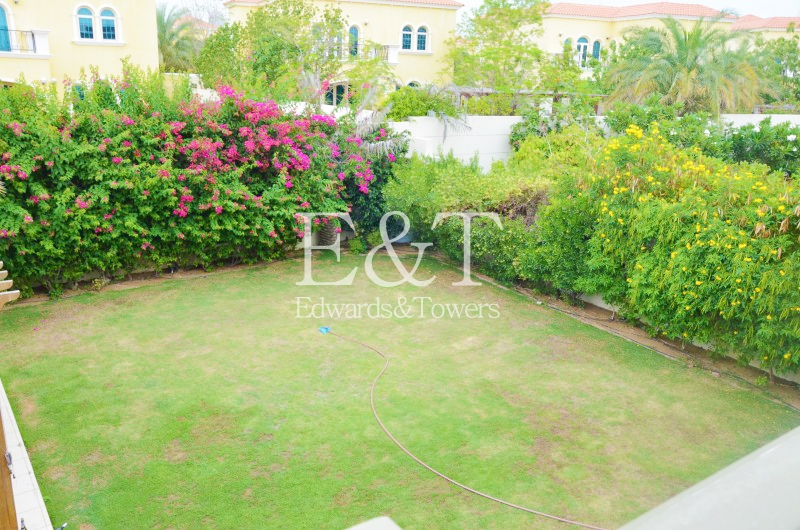 July   Stunning Garden   Immaculate Villa   JP