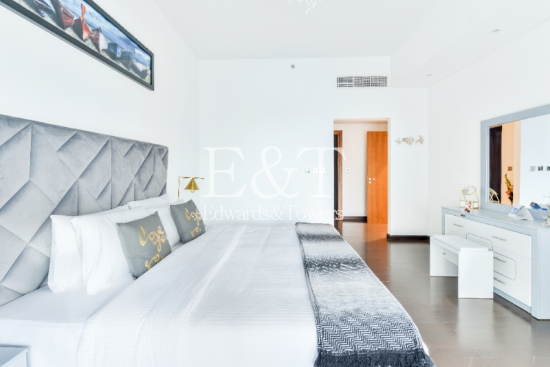 Fully Furnished |Great Sea Views | Mid Floor I PJ