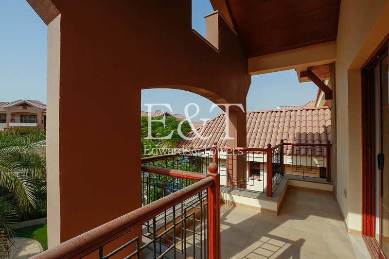One of the Best Location Lake View 5 Br Mansion JI