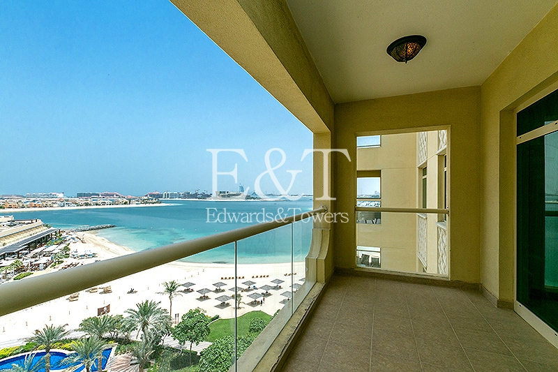 Sea View | Large Balcony | Bright Living room | PJ