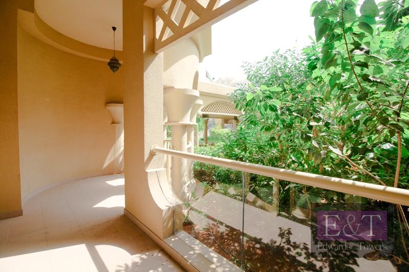 Large Balcony|Exclusive beachfront clubhouses| PJ