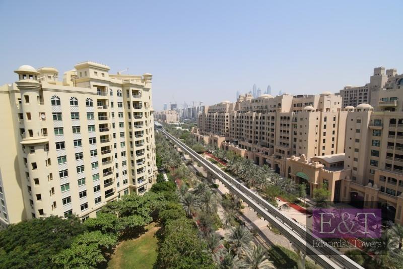 Top Flr, Park Views,High Ceilings,Natural,PJ Light