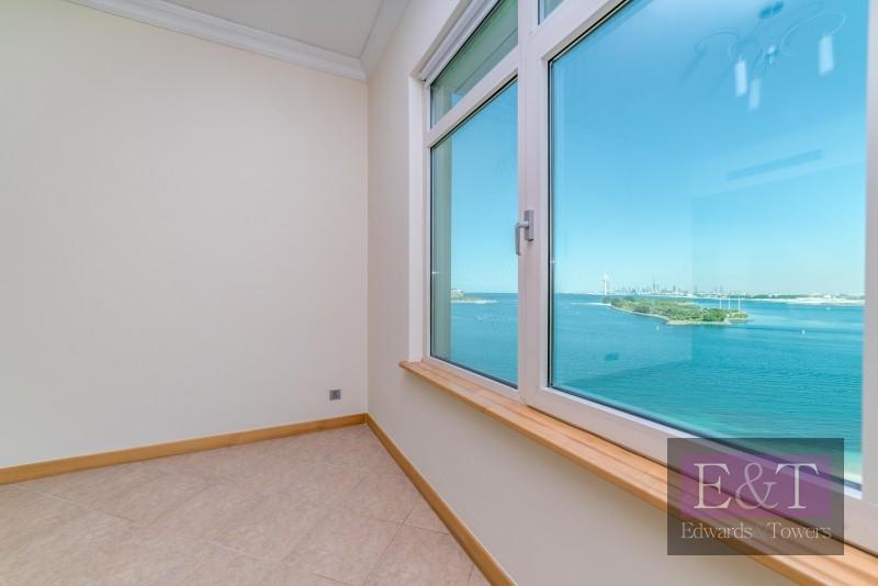 High Floor, Sea Views,Direct Access Pool/Beach, PJ