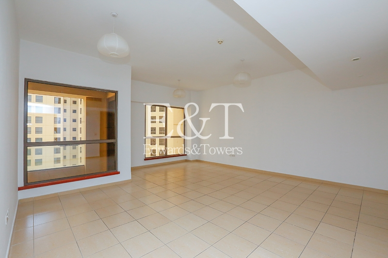 Sea View | Spacious  3 Bed + Maids | Vacant