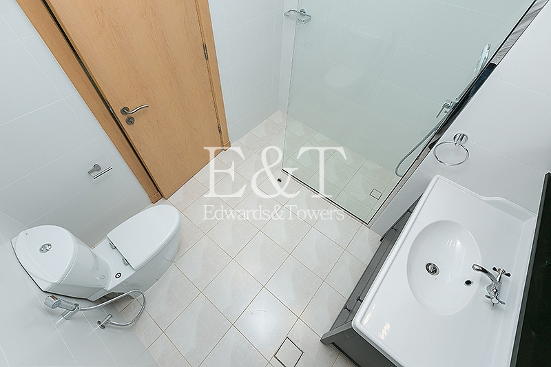Upgraded Bathroom | New furniture | Sea Views
