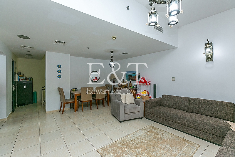 4BR Upgraded Townhouse with Private Parking