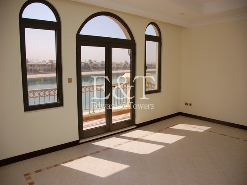 Atrium Entry | A Frond | Private Pool | PJ