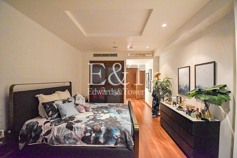 Large | Extended Terrace | Park and Sea Views | PJ