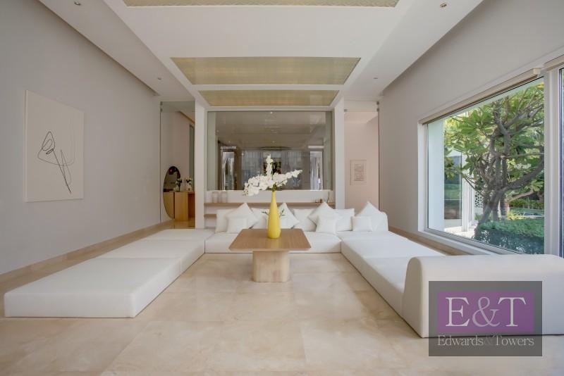 7 bed Contemporary Villa | Double plot | Golf view